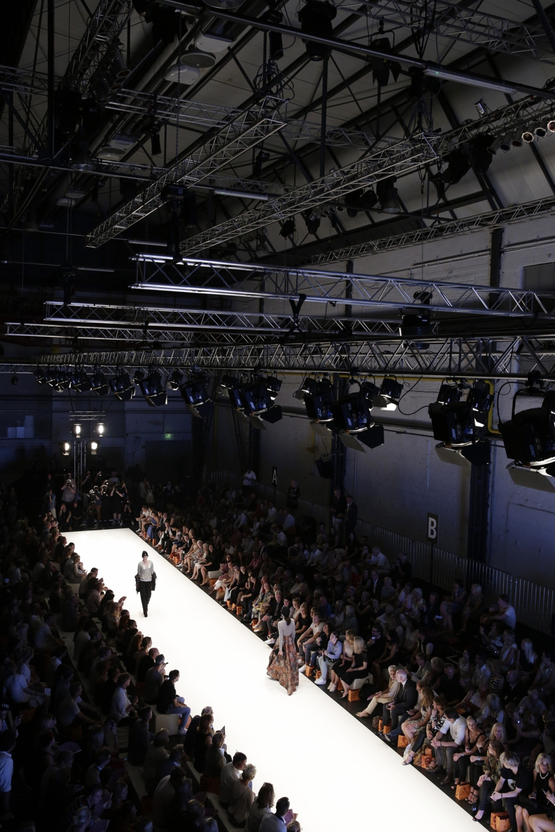 DUESSELDORF, GERMANY - JULY 22: Models walk the runway at the Breuninger show during Platform Fashion July 2016 at Areal Boehler on July 22, 2016 in Duesseldorf, Germany. (Photo by Sebastian Reuter/Getty Images for Platform Fashion)