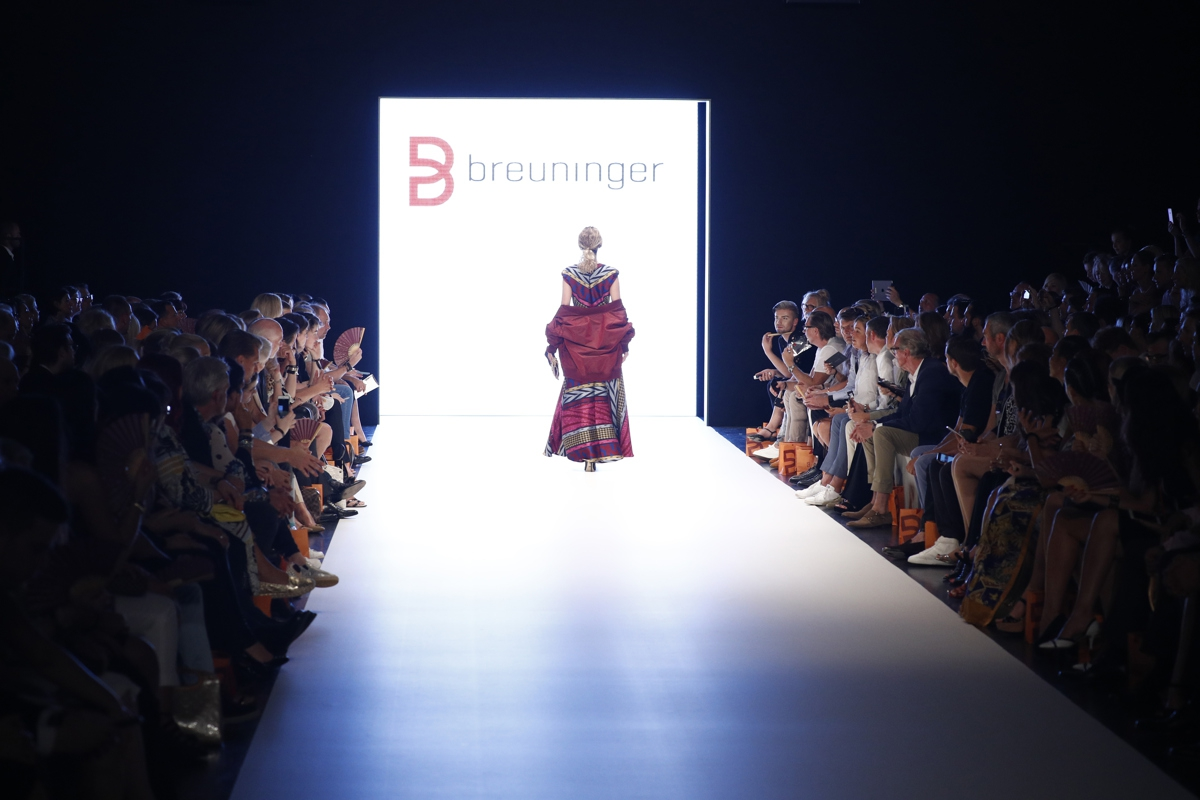 DUESSELDORF, GERMANY - JULY 22: Model Elena Carriere walks the runway at the Breuninger show during Platform Fashion July 2016 at Areal Boehler on July 22, 2016 in Duesseldorf, Germany. (Photo by Andreas Rentz/Getty Images for Platform Fashion)