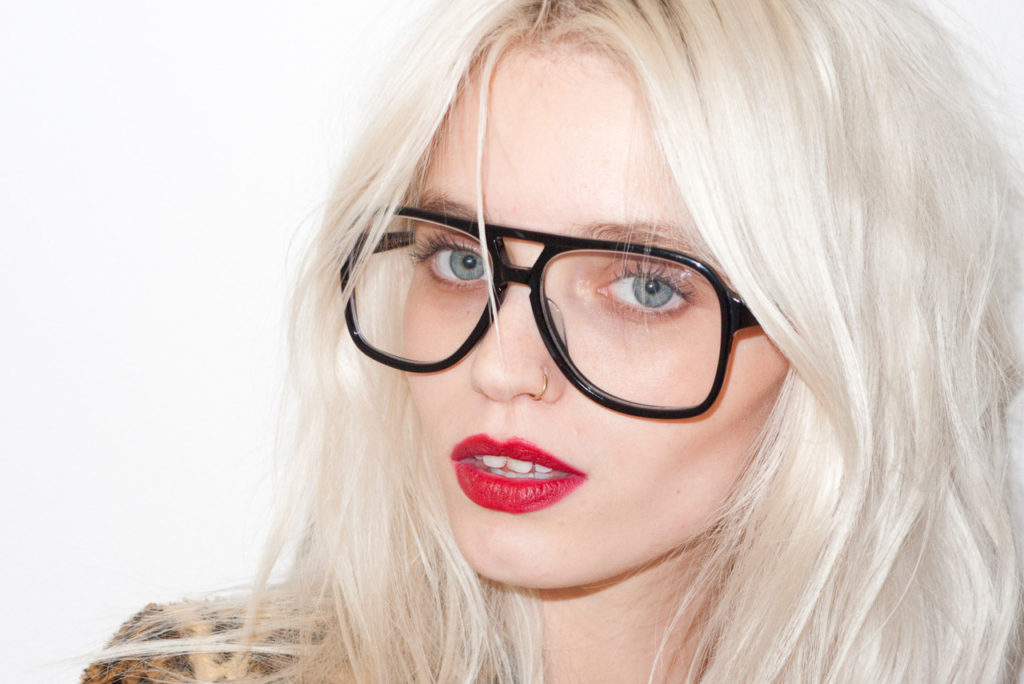 abbey-lee-kershaw-by-terry-richardson-designscenenet-06