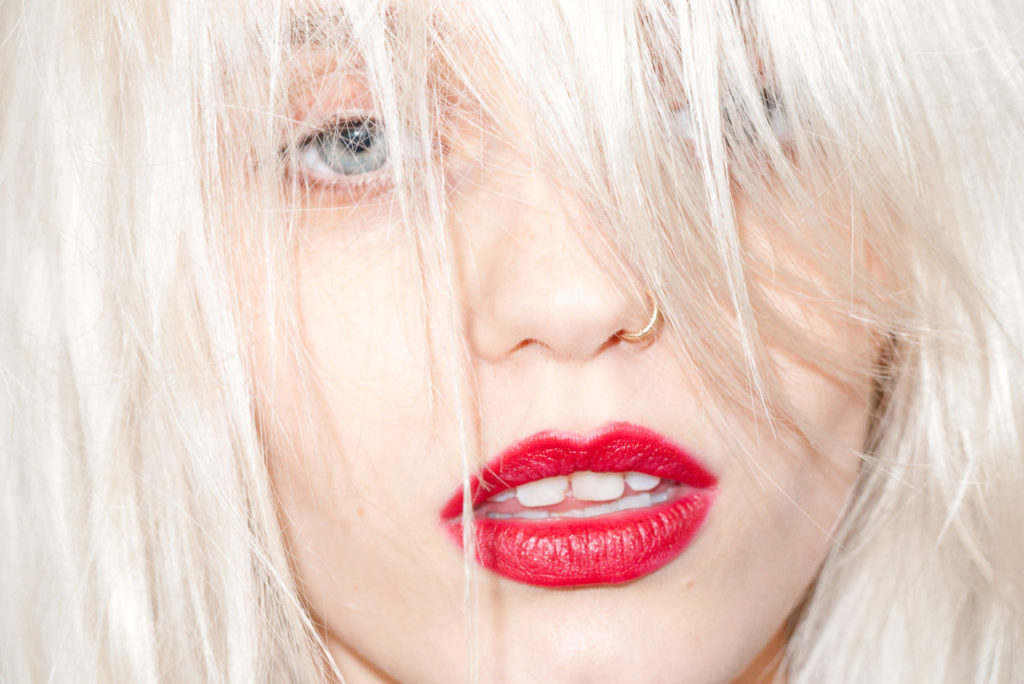 abbey-lee-kershaw-by-terry-richardson-designscenenet-13
