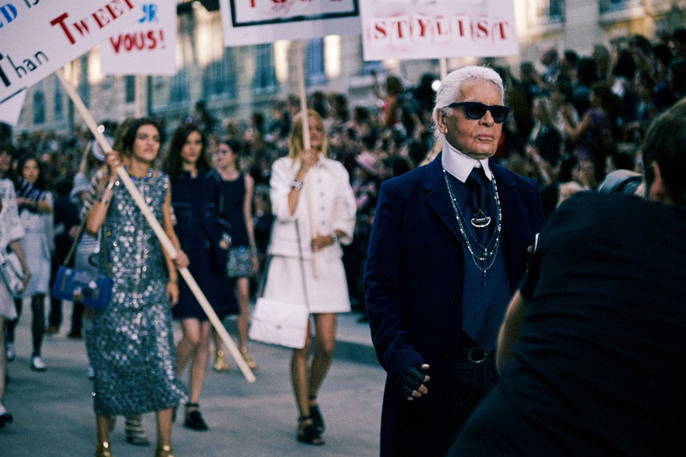 lagerfeld-stages-feminist-revolution-for-chanel-spring-summer-2015